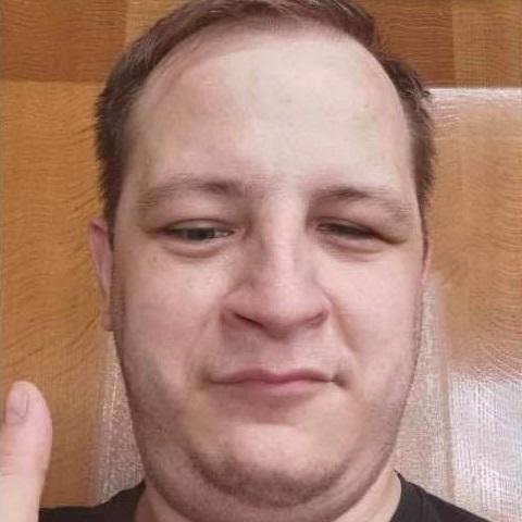 https://salon-vilinka.si/wp-content/uploads/2021/04/Matej.jpg